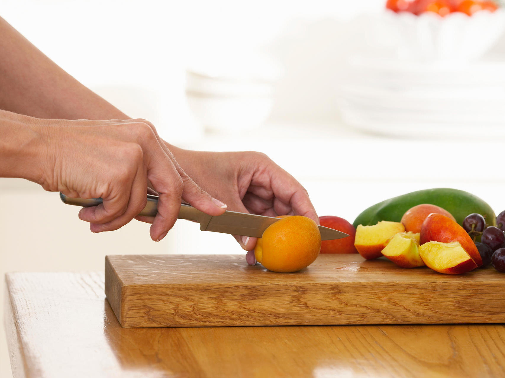 Der Chefkoch empfiehlt: nur das beste Holzschneidebrett darf unters Messer!