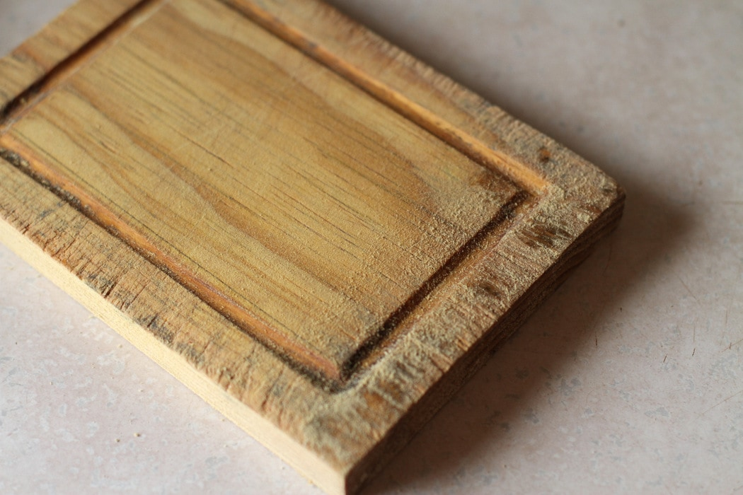 So schleifen Sie Ihr Schneidebrett aus Holz