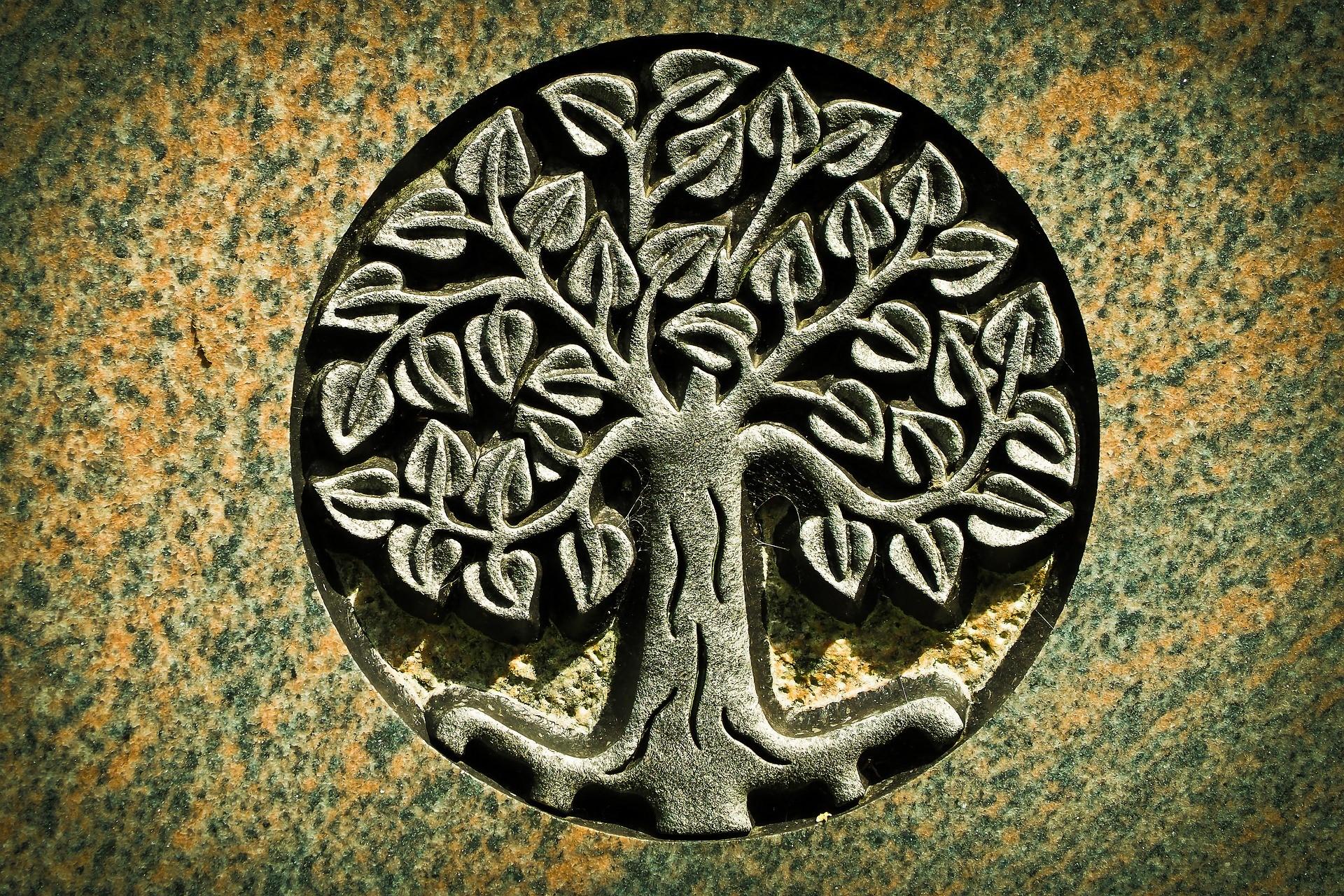 Der Baum des Lebens – ein einzigartiges Geschenk aus Holz