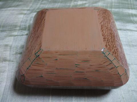 木肌手繰蓋物