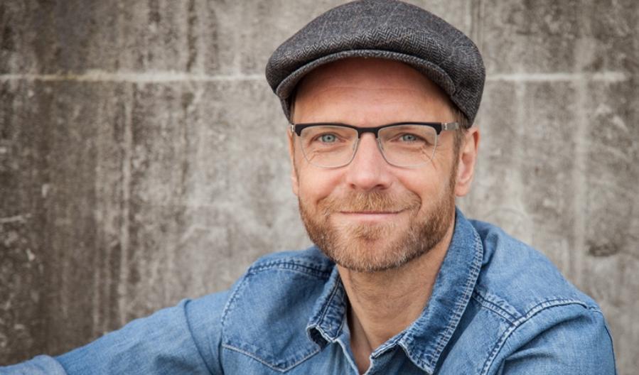 Der Grünen-Direktkandidat für den Kreis Pinneberg Jens Herrndorff stellt sich in Quickborn vor