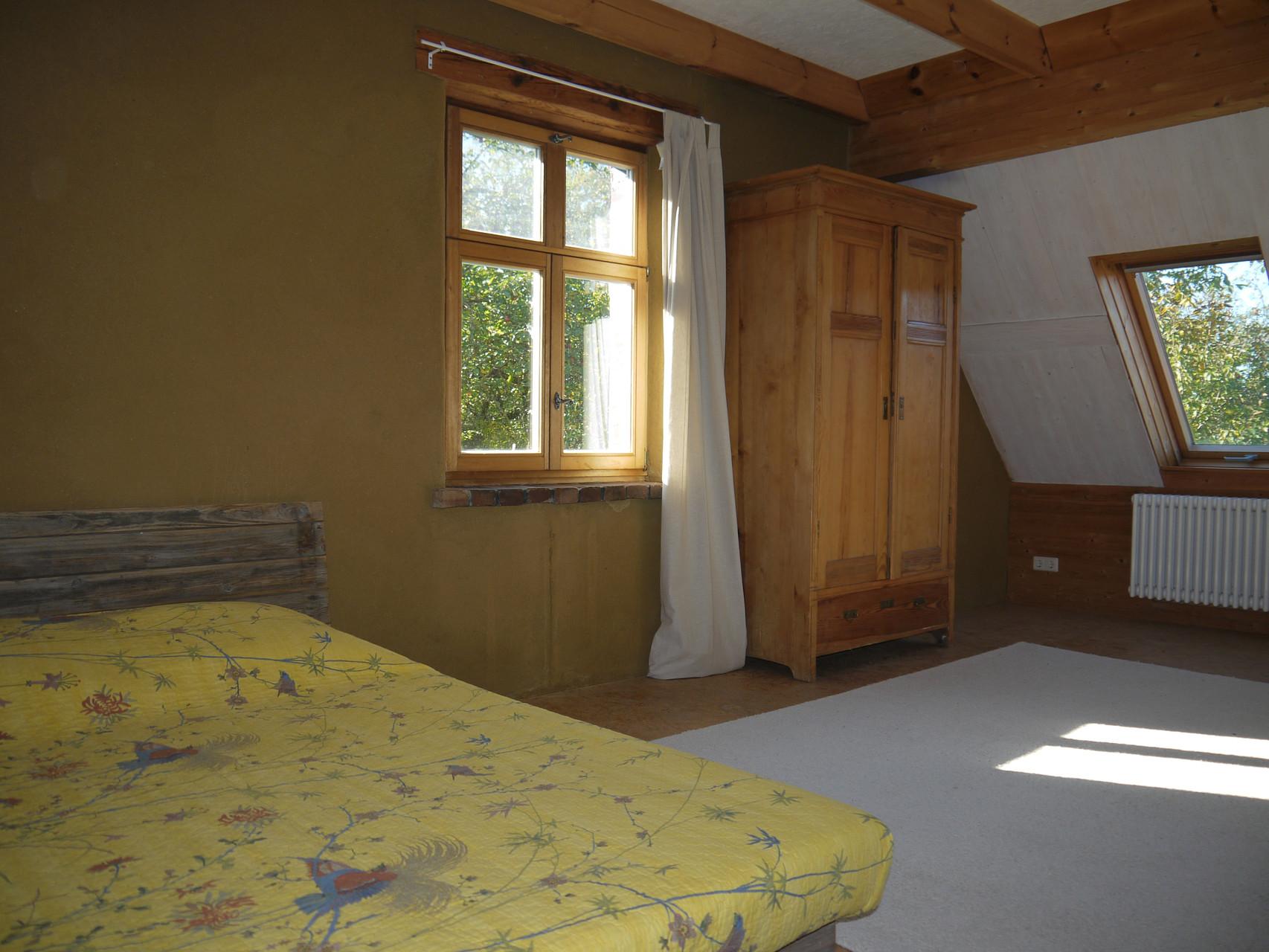 Grosses Schlafzimmer im Obergeschoß