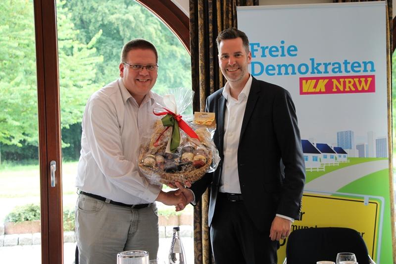 K. Abuszat, Chr. Dürr MdL, Vorsitzender der FDP Fraktion im Landtag Niedersachsen