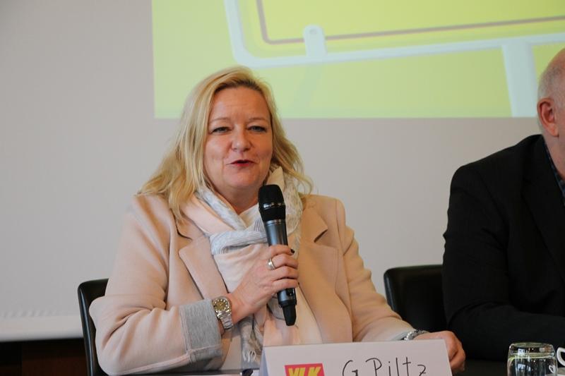 Wahlleiterin Gisela Piltz