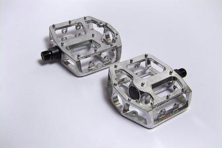 ***Pedal BMX 9/16 Aluminio NWL-337 C/Reflej.en Cajita BENOTTO $175 MXN PEDBMA0398