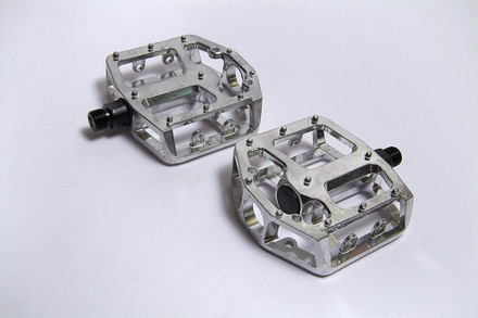 +++Pedal BMX 9/16 Aluminio NWL-337 C/Reflej.en Cajita BENOTTO $175 MXN PEDBMA0398