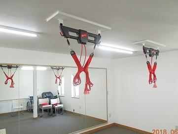 レッドコード、自転車トレーニング器、歩行訓練用平行棒などがあります。