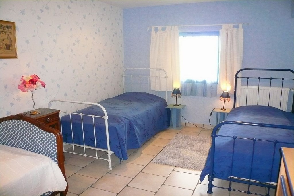 Chambre 2 : 3 lits