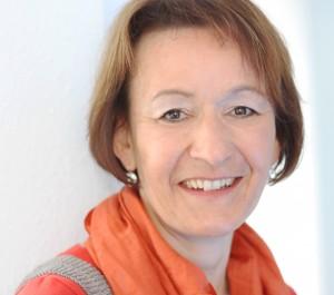 Ina Burgath, Physiotherapeutin, Buchautorin, Dozentin für Dorntherapie für Säuglinge und Kleinkinder