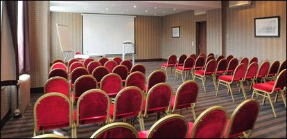 Salles en location à Tours et en région pour des conférences et stages dans le bien-être. Salles privées et associatives repérées par Via Energetica.