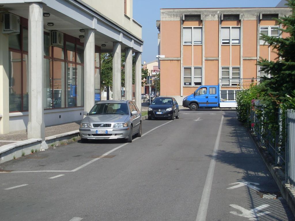 Accesso con senso unico da via Roma
