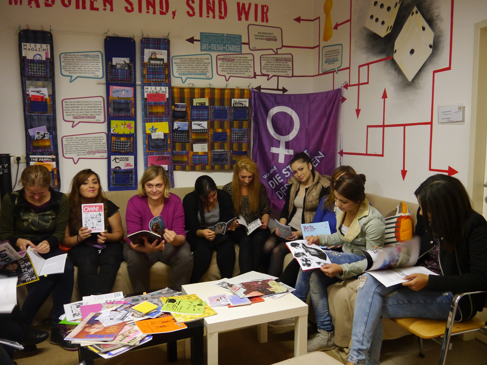 Die Leselounge zu Gast im Mädchenzentrum Klagenfurt (Oktober 2014) (Foto: MÄZ Klagenfurt)