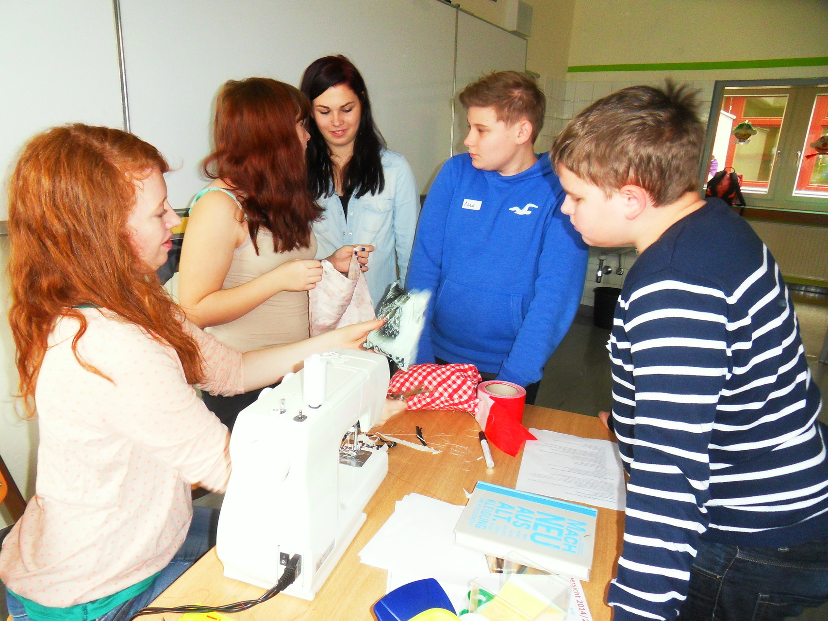 Craftivism-Workshop an der NMS Rust (Foto: NMS Rust)