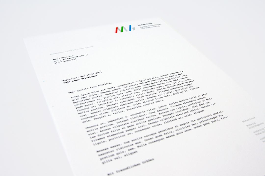 Geschäftsausstattung und Logo-Design für einen Webdesigner // Briefbogen