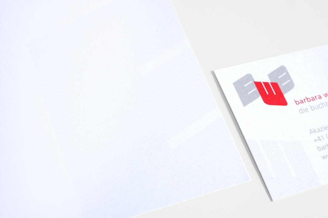 Geschäftsausstattung für eine Buchhalterin, Visitenkarte und Briefbogen im Detail