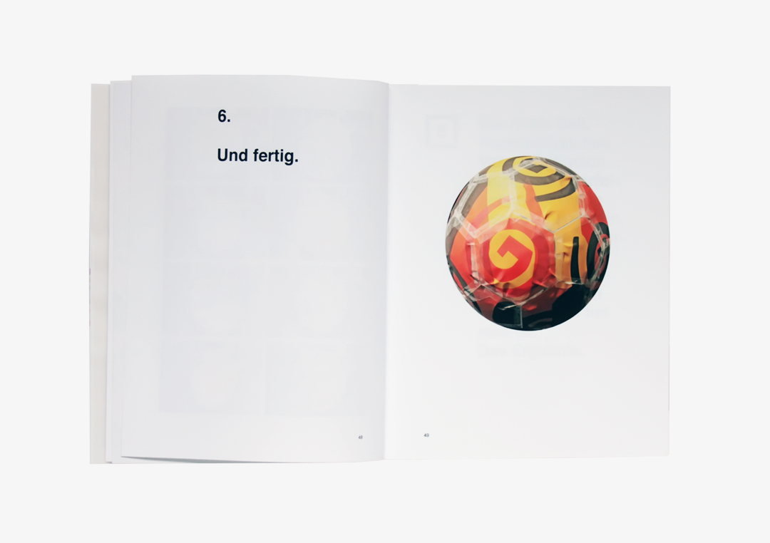 Buchgestaltung für die Entwicklung eines Fußballs // Innenseite