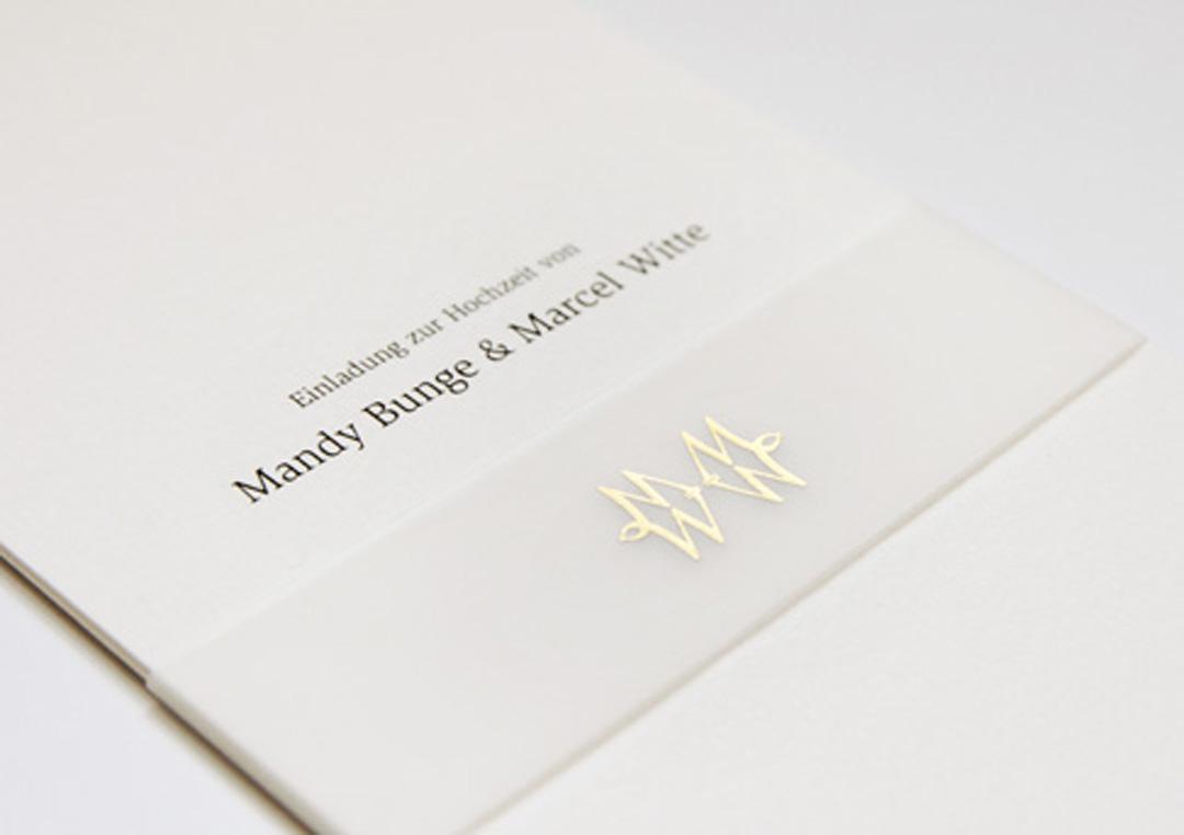 Einladungskarte zur Hochzeit // Monogramm-Gestaltung