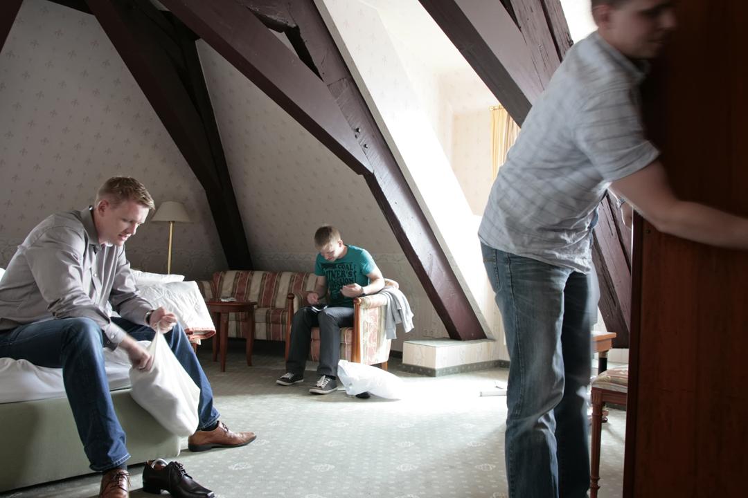 Hochzeitsfotos // Vorbereitung des Bräutigams