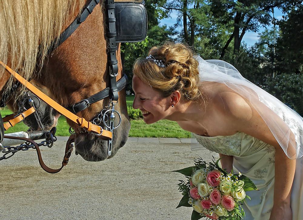 """"""" Sie dürfen nun die Braut küssen """""""