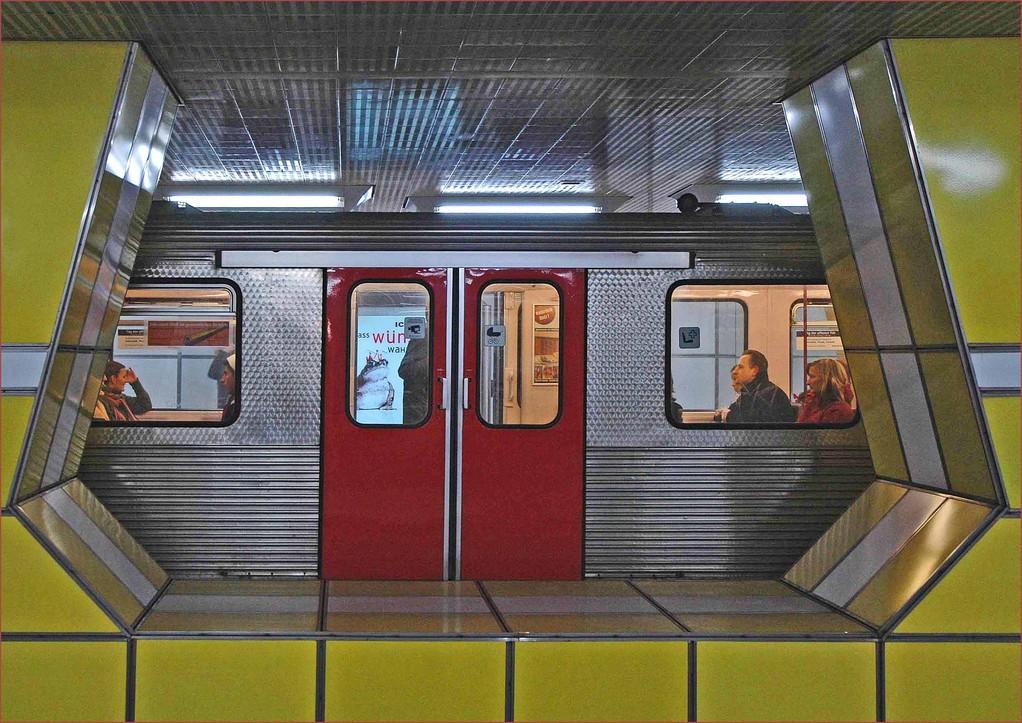 U - Bahn Jungfernstieg