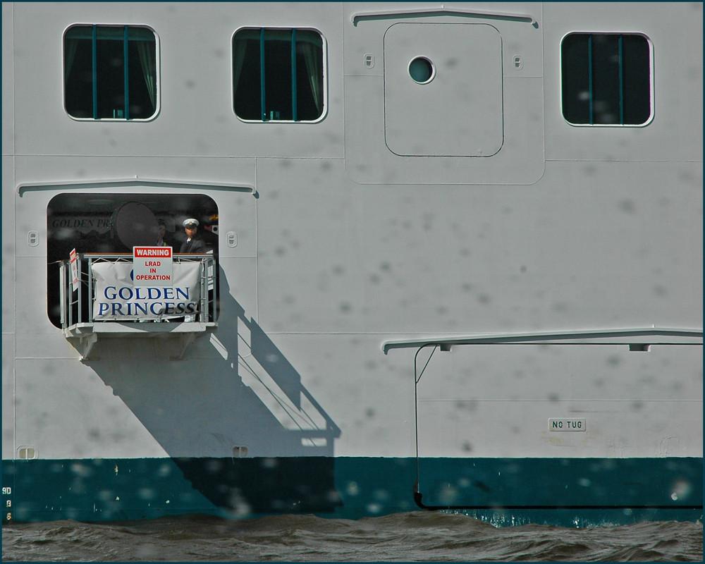 Loch im Schiff...:-)