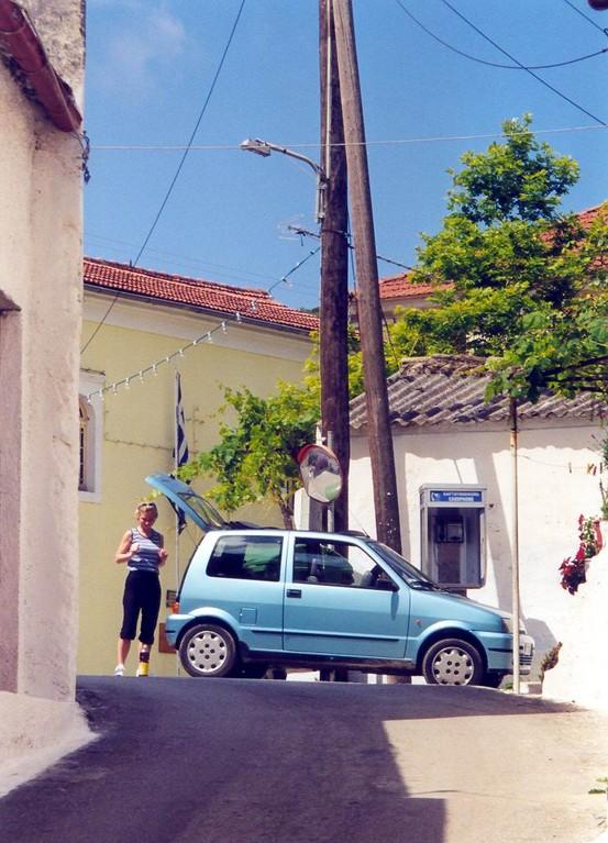 ANALOG,...mein kleines Auto fährt schon automatisch in mein Lieblingsdorf Kamara