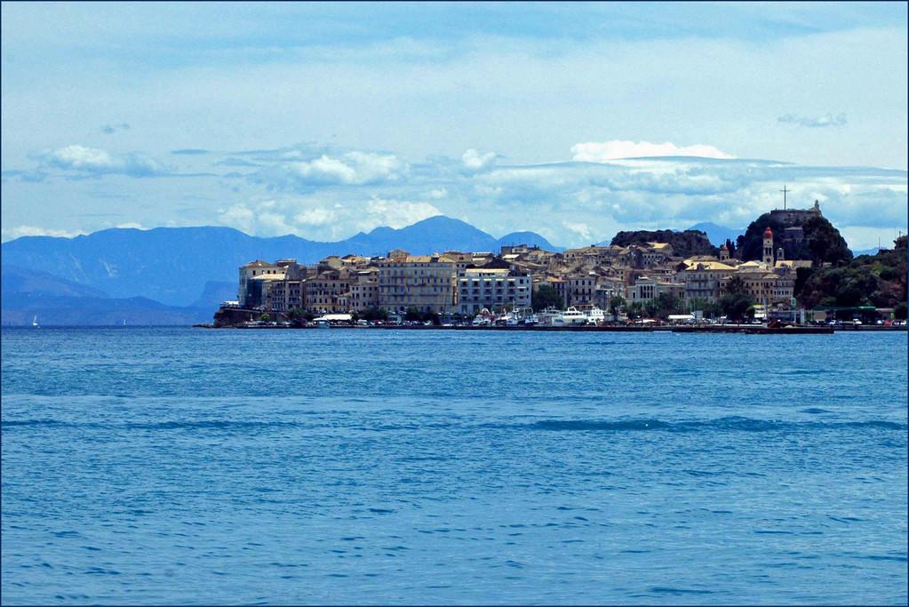 Blick auf die Altstadt, mit der neuen Festung..,