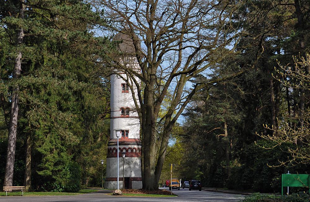 Friedhof Ohlsdorf, der kleine Wasserturm.
