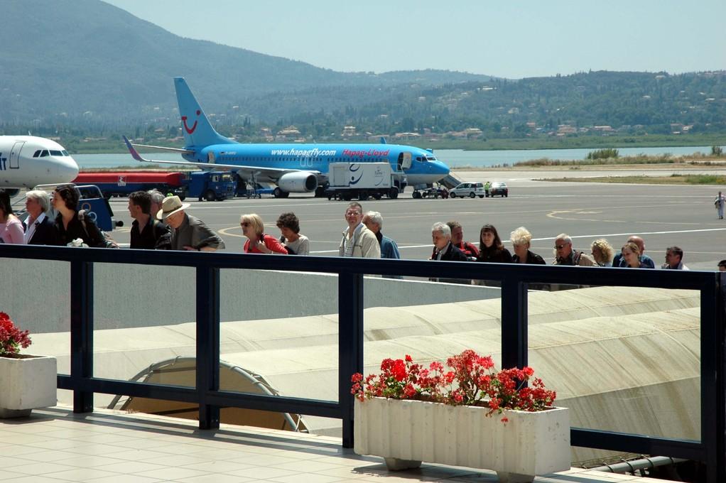 Airport, die Touris reisen an........