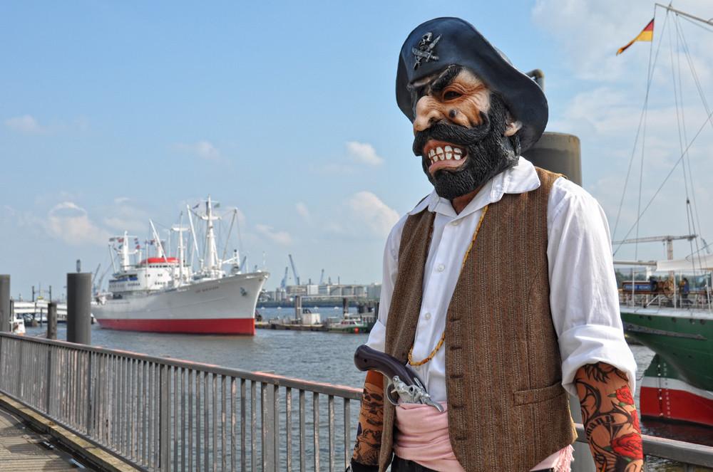 Pirat am Hafen...:-)