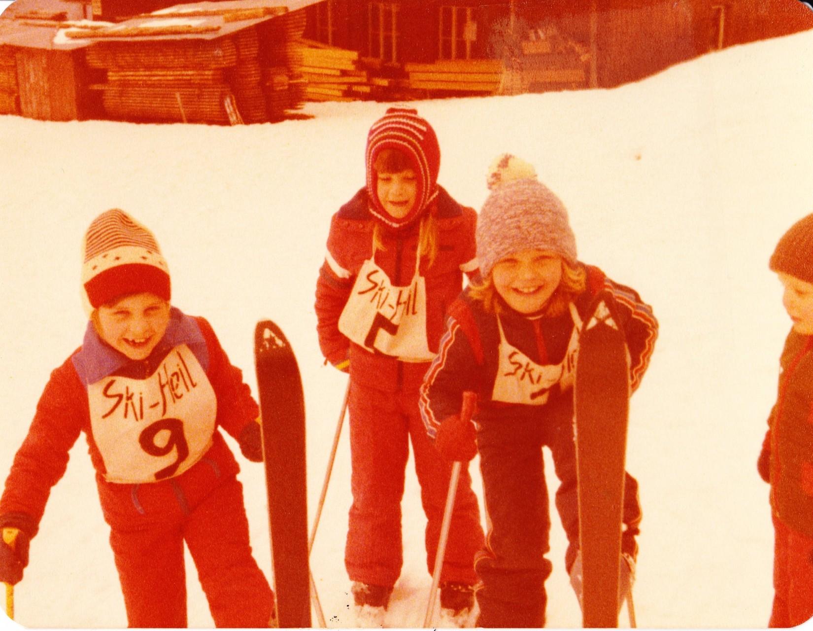 Schülerskirennen 1978, v.l.n.r. Patrizia Balmer, Sonja Hornung, Ursula Rüeggsegger