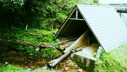 豪雨災害から復旧した唐臼の写真
