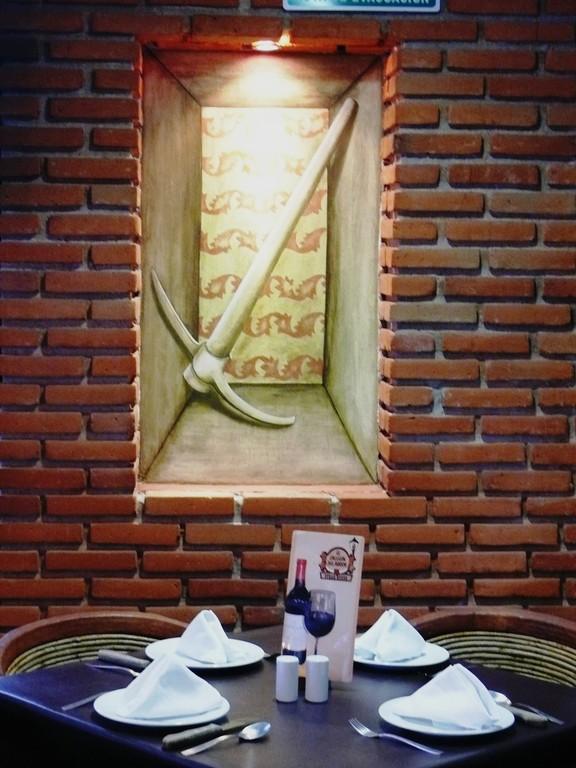 Detalle Triptico. Mexico City. Carbonia steak house and wine