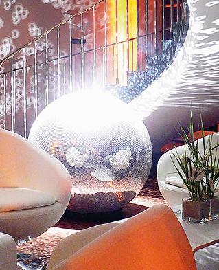 Foto: Beispiel für Eventausstattungen, Mietmöbel, Beleuchtung und Dekorationen