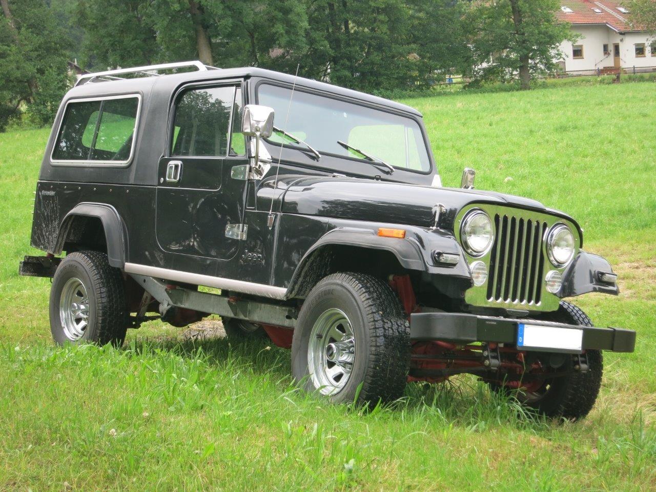 Jeep CJ8 (1)