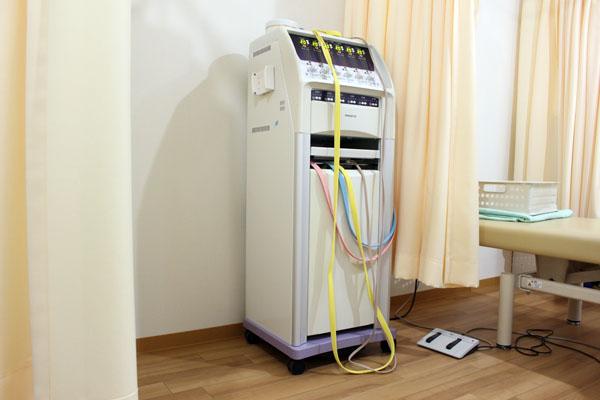 しおかぜ整骨院の干渉波(電気)治療器