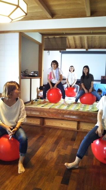 産後ケア&体幹強化&認知症予防にぴったりバランスボール