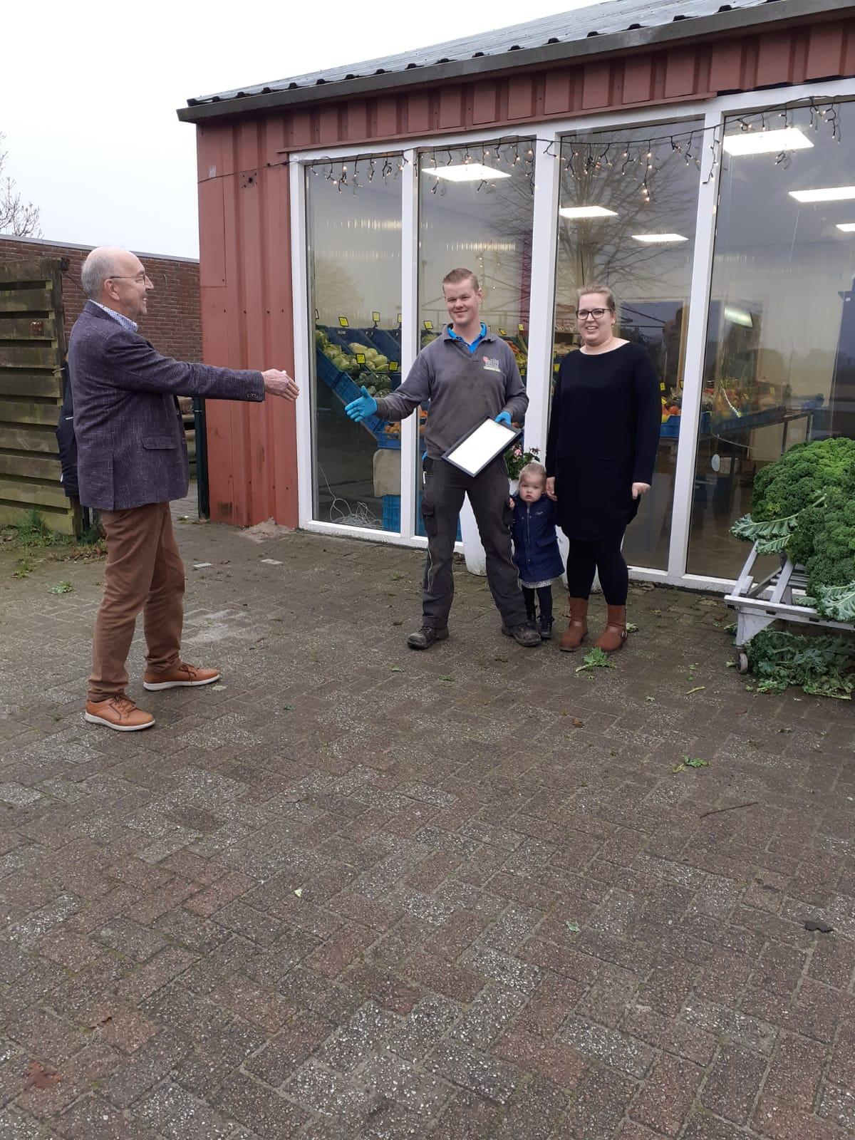 Uitreiking Certificaat aan Hein en Anniek Kruize, Kruize Boerderijwinkel