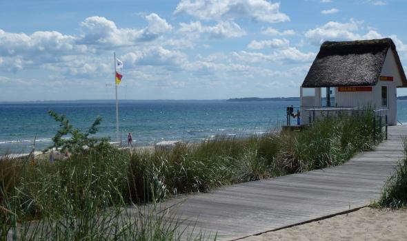 Schöner Ostseestrand in Scharbeutz Strandprommenade