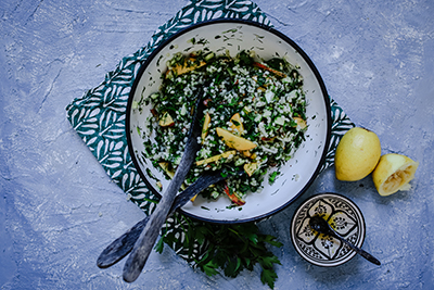 Sommersalat mit Gerste und Nekatrinen