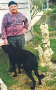 Robert Vassalo dans son jardin, mai 1998