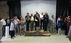Nelly Morizot, entourée des officiels, de l'Invitée d'honneur et des artistes