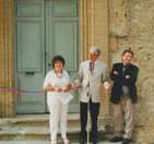 Le Maire de Miramas, Jeanine Rivais et Jean-François Meyer coupant le ruban inaugural de l'exposition