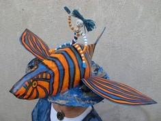 Pour le vernissage, Colette Haranger s'était créé un magnifique chapeau