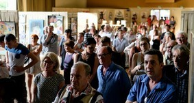 Le vernissage : La foule du public