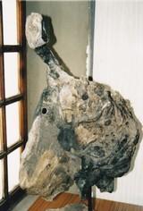 """""""Profils éclectiques""""(Blois flotté, métal, faïence, bitume/ 2003)"""