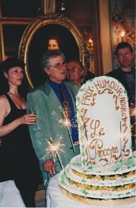 Odile Massé recevant le Grand Prix de l'Humour noir 1998