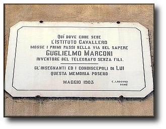 Targa a ricordo di Marconi, tutt' ora presente in via delle Terme