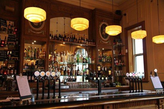Old Fashioned Classic Bar