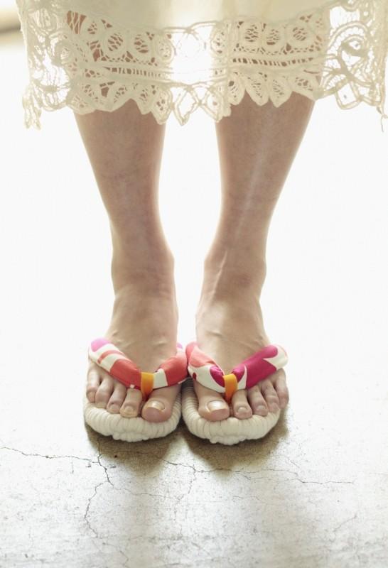 Cozy wearing barefoot